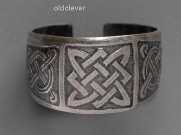 кольцо со знаком сварога
